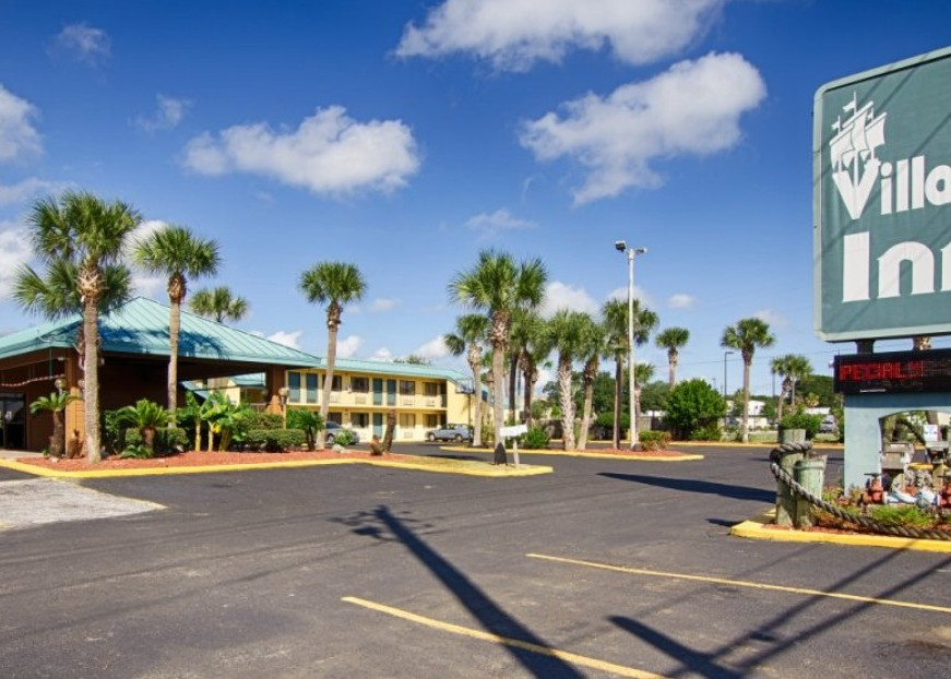 Crab Island Hotels